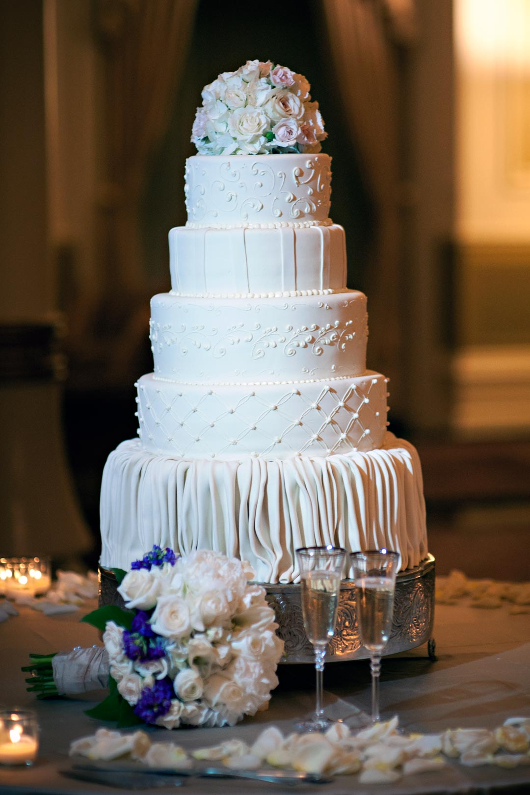 Preserving your top layer of the wedding cake for Wedding cake layer